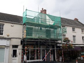 Mad Dog, Wellington - Roofing and Decorating